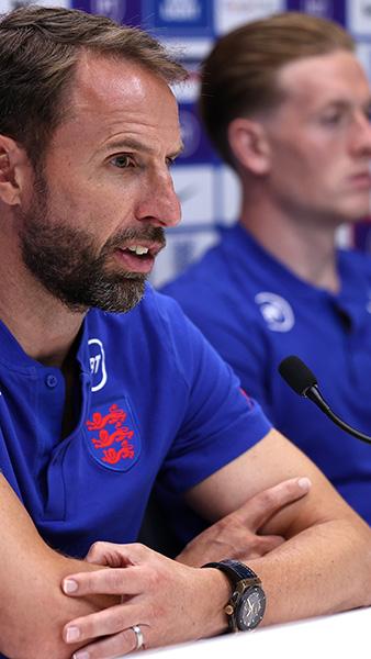England's Gareth Southgate and Jordan Pickford