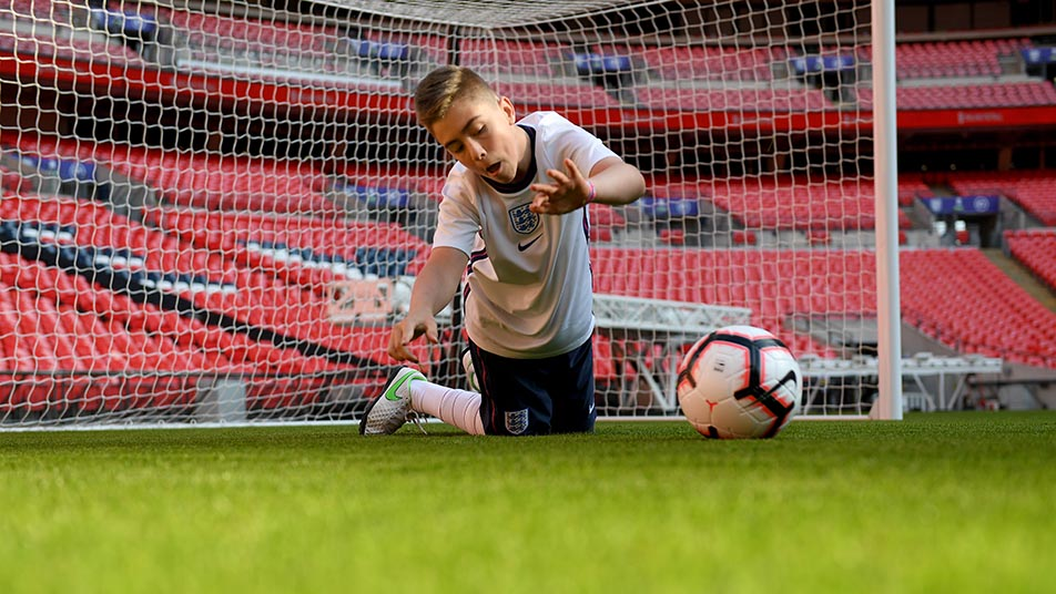 Rhys was in fine form as he made a host of saves against the England CP team stars