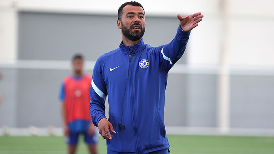 Ashley Cole will continue his coaching role with Chelsea's academy as well as being England MU21s assistant coach
