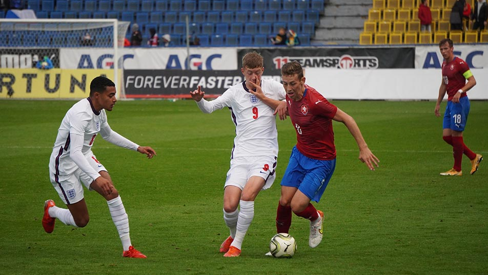 Jay Stansfield was one of several impressive performers for England MU20s. Picture: Czech FA